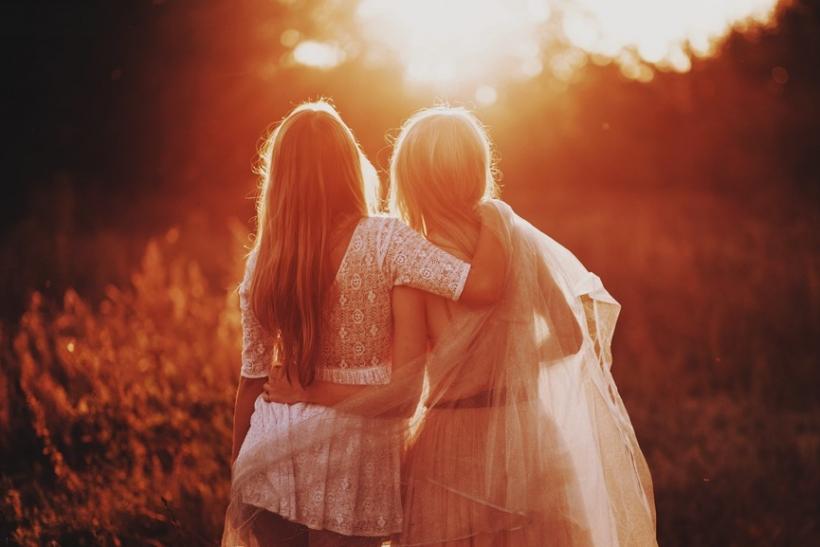 Οι φίλοι μπορεί να μην είναι ψυχολόγοι αλλά είναι οι καλύτεροι βράχοι να σταθείς
