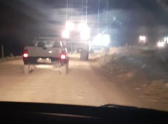 Έβρος: Αγρότες με τρακτέρ και αναμμένους προβολείς βοηθούν το στρατό στα σύνορα