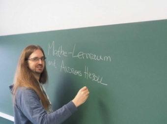 Σε μεταλλικό φέρετρο κηδεύτηκε ο 42χρονος Γερμανός καθηγητής στην Κρήτη