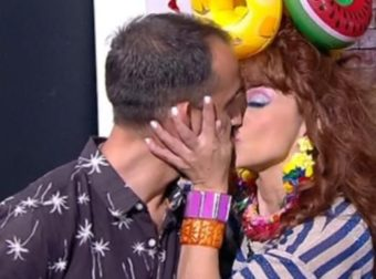 Ματίνα Νικολάου: Γύρισε την κάμερα αλά Μενεγάκη και φίλησε στο στόμα τον Βασίλη Πορφυράκη!