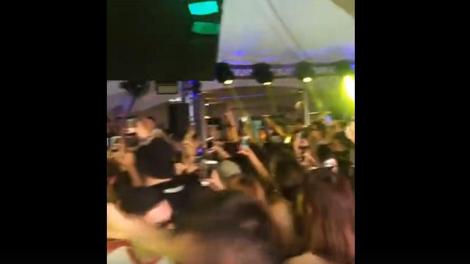 Συνωστισμός στην Ίο: Κάνουν πάρτι ο ένας πάνω στον άλλο – Δείτε βίντεο