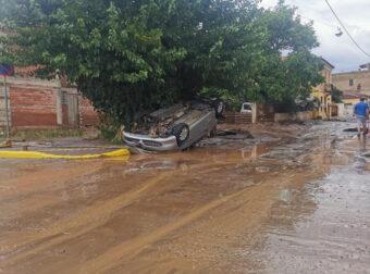 """Εύβοια: """"Διαλύθηκαν"""" τα Ψαχνά! Εικόνες απόλυτης καταστροφής από τις τρομακτικές πλημμύρες (pics, video)"""