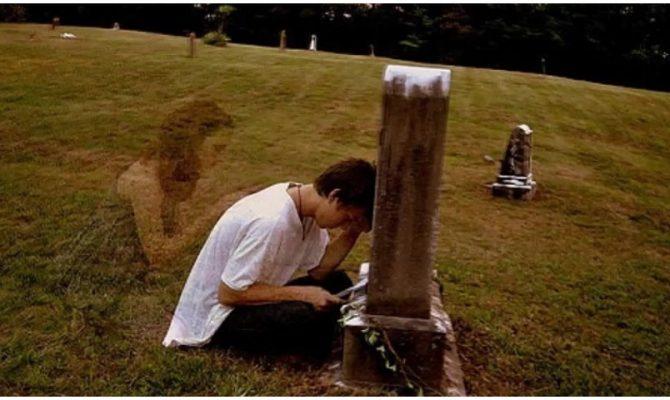 Αυτούς που αγαπήσαμε και «έφυγαν» από κοντά μας, δεν τους ξεχνάμε ποτέ