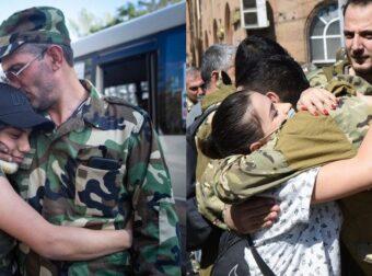 Αρμενία: Χιλιάδες Αρμένιοι εθελοντές αποχαιρετούν τους δικούς τους και πάνε να πολεμήσουν στο μέτωπο