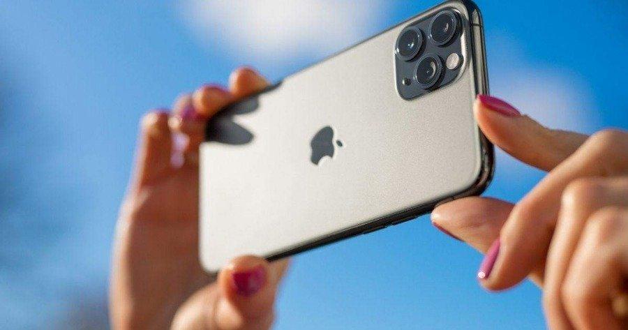 Apple: Ενδεχόμενη μείωση της παραγωγής του iPhone 13 κατά 10 εκατ. μονάδες λόγω έλλειψης τσιπ